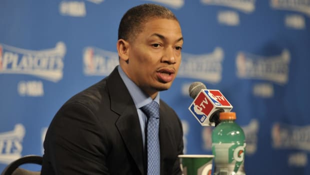 Cavaliers coach Tyronn Lue calls out Charles Barkley -- IMAGE