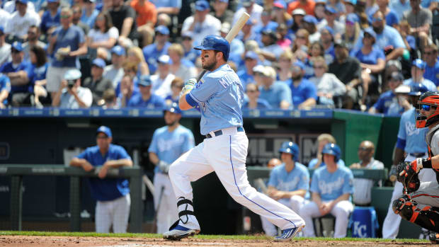 mike-moustakas-disabled-list-royals-injury.jpg
