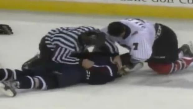 Minor league hockey game ends with massive brawl - IMAGE