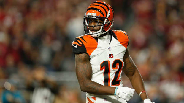 mohamed-sanu-falcons-signs-contract.jpg