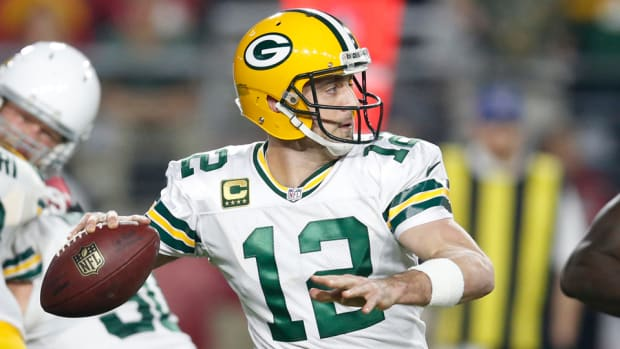 aaron-rodgers-hail-mary-packers-cardinals-playoffs-video.jpg