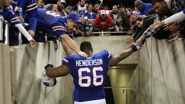 Bills tackle Seantrel Henderson could sue NFL over marijuana use - IMAGE