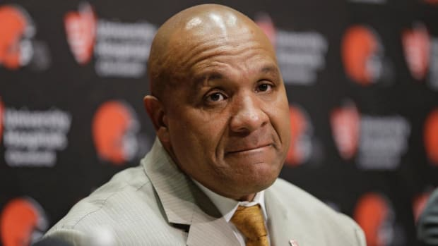 Browns coach Hue Jackson disappointed in QB Johnny Manziel - IMAGE