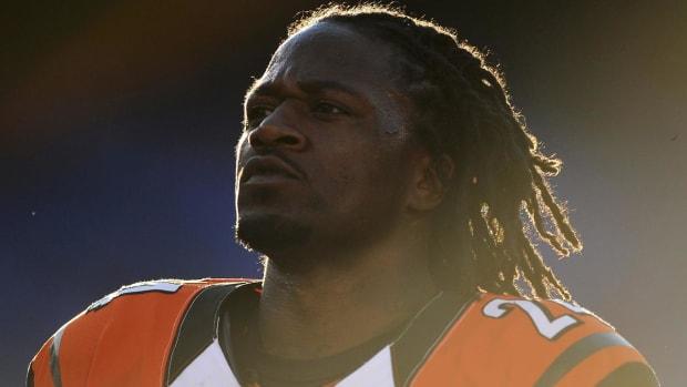 Bengals sign cornerback Adam Jones to three-year deal--IMAGE