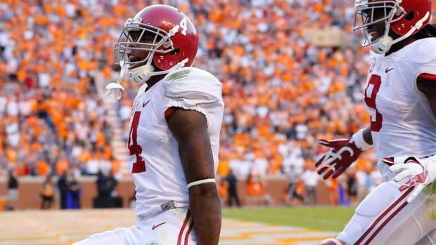 No.1 Alabama rolls over No. 9 Tennessee--IMAGE