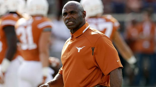 With Texas expected to move on from Charlie Strong, stage is set for robust turn on coaching carousel