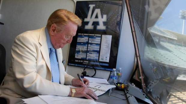 vin-scully-broadcast-last-game-dodgers.jpg