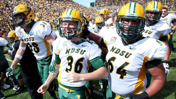 North Dakota State beats No. 13 Iowa for sixth straight FBS win - IMAGE