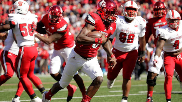 Lamar Jackson sets another record as Louisville dominates--IMAGE