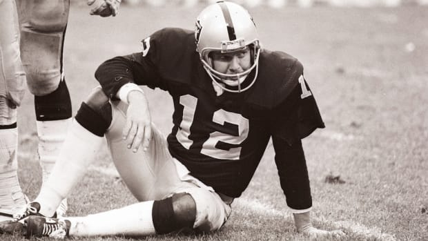ken-stabler-raiders-donate-cte-research.jpg