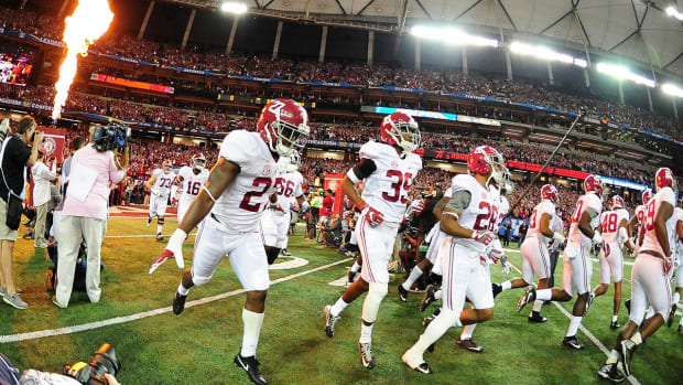 No. 1 Alabama blows out No. 15 Florida in SEC title game--IMAGE