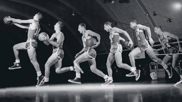 1955-1119-Bob-Cousy-005588301.jpg