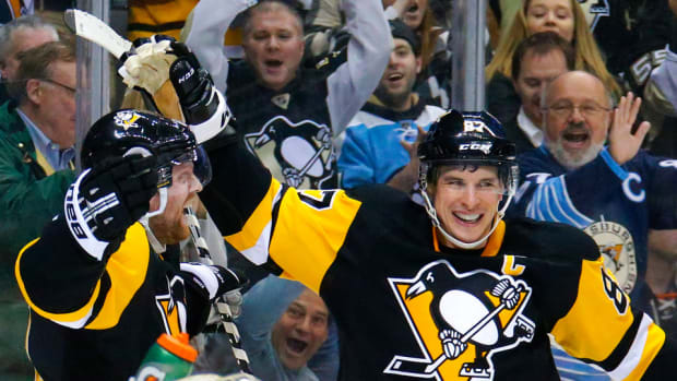 pittsburgh-penguins-sidney-crosby-tricky-angle-video.jpg