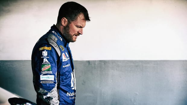 Dale Earnhardt Jr. medically cleared to resume NASCAR competition - IMAGE