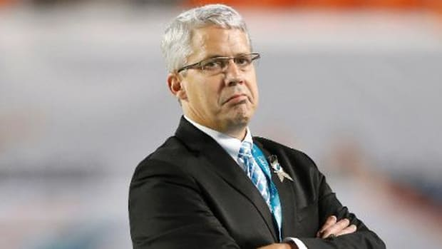 Miami Dolphins, GM Dennis Hickey agree to part ways -- IMAGE
