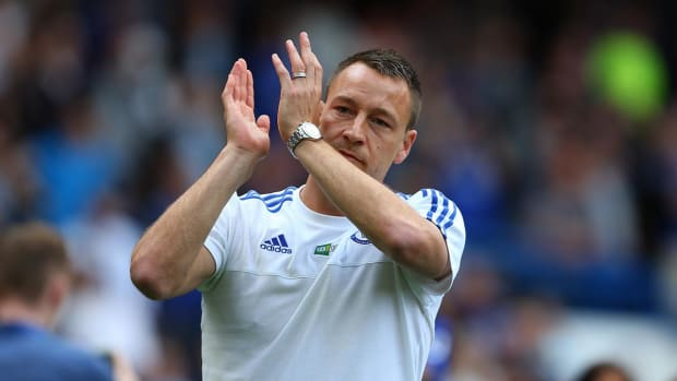 John Terry signs new one-year contract with Chelsea - IMAGE