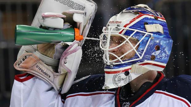 hydration-hockey-lead_1.jpg