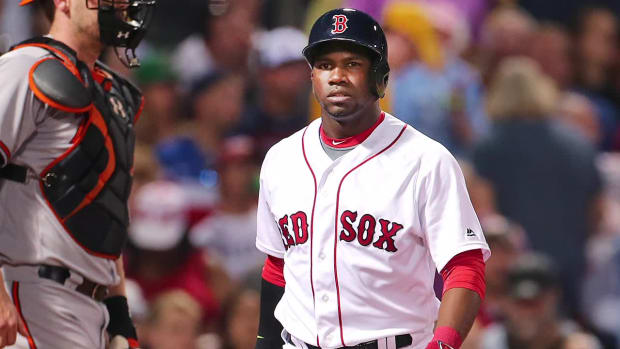 Report: Red Sox place Rusney Castillo on waivers -- IMAGE