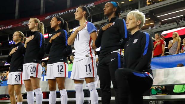 megan-rapinoe-kneeling-national-anthem.jpg