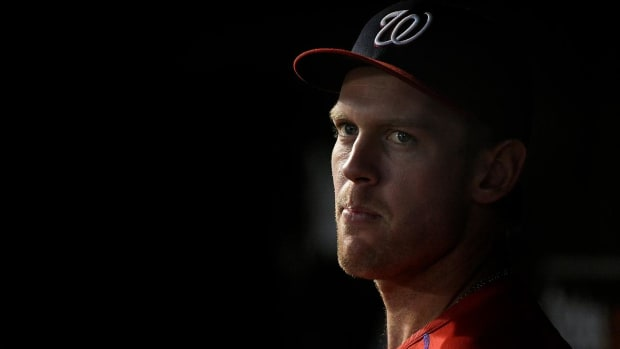 No timetable for Stephen Strasburg's return after MRI shows flexor mass strain - IMAGE