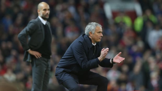 mourinho-pep-league-cup-manchester-united-city.jpg