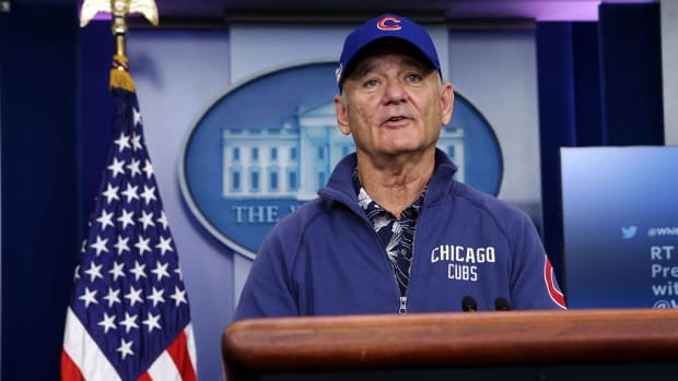 Bill Murray crashes White House briefing, picks Cubs to win -- IMAGE