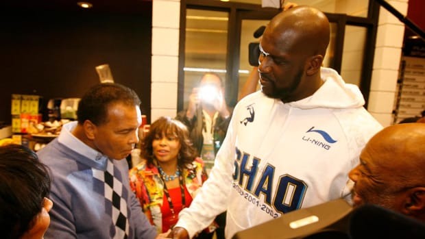 Shaquille O'neal remembers Muhammad Ali - IMAGE