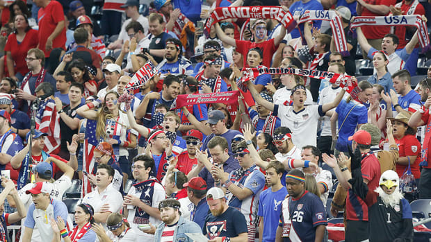 usa-soccer-fans-960-wearable-tech.jpg