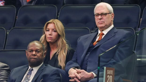 phil-jackson-new-york-knicks-future-los-angeles-lakers-jeanie-buss.jpg
