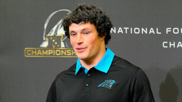 super-bowl-carolina-panthers-luke-kuechly-hair.jpg
