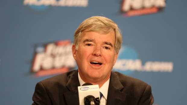 ncaa-mark-emmert-contract-extension.jpg