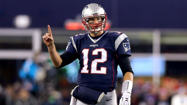 Tom Brady signs two-year extension for $41 million - IMAGE