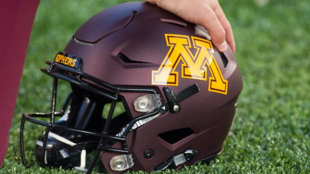 Minnesota players end boycott, will play in Holiday Bowl--IMAGE
