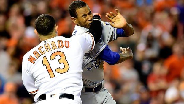 Manny Machado charges mound, fights Yordano Ventura - IMAGE