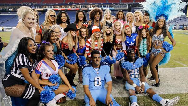 Tennessee-Titans-cheerleaders-AP_949747486825.jpg