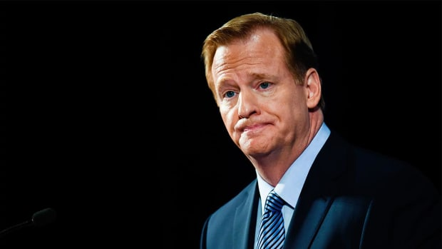 Roger Goodell doesn't 'necessarily agree' with Colin Kaepernick - IMAGE