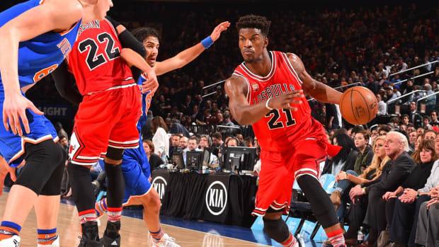 Bulls' Jimmy Butler could undergo off-season knee surgery - IMAGE