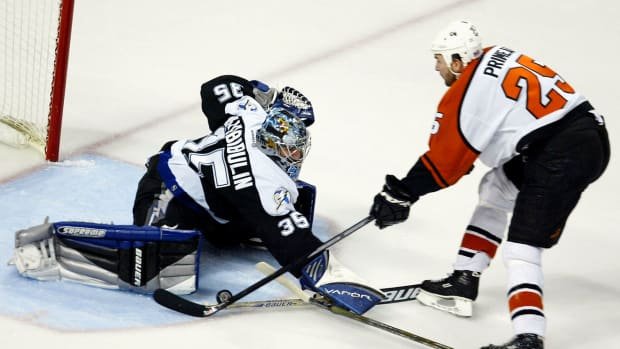 2004-Lightning-Flyers-Game-7-Nikolai-Khabibulin-Keith-Primeau.jpg