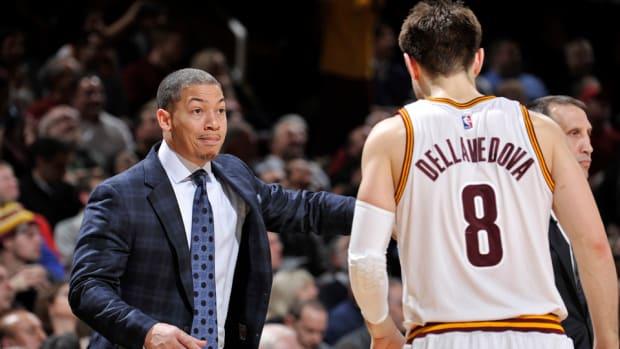 tyronn-lue-cavaliers-coach.jpg