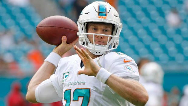 Dolphins QB Ryan Tannehill suffers ACL, MCL sprains - IMAGE
