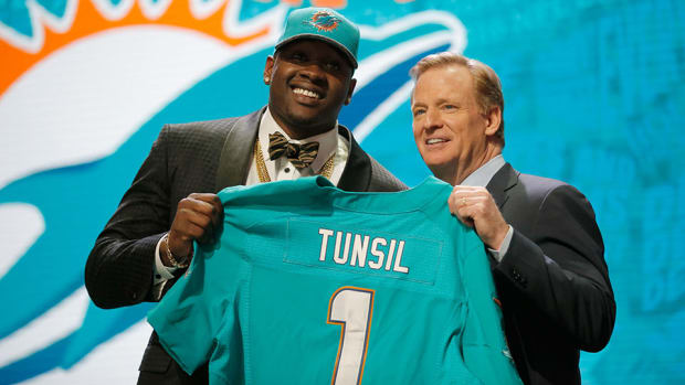 laremy-tunsil-roger-goodell-draft-exciting-comment.jpg