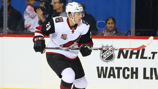 dylan-strome-coyotes-nhl-1300.jpg