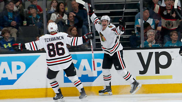 Teravainen-Bickell-Don-Smith.jpg