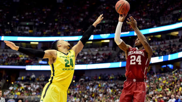 Oklahoma advances to Final Four behind Buddy Hield's big night IMAGE