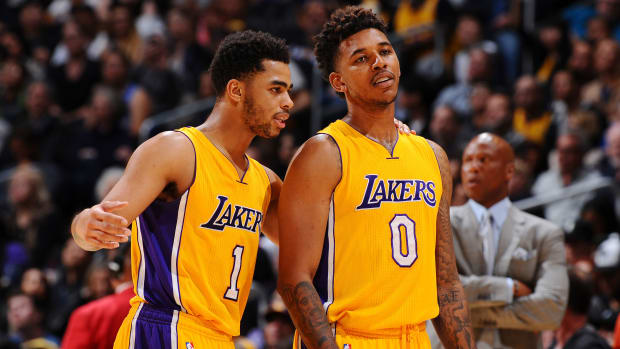 dangelo-russell-lakers-nick-young-video-apology.jpg