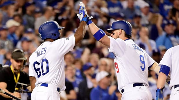 Dodgers take NLCS lead, shutting out Cubs in Game 3 win - IMAGE