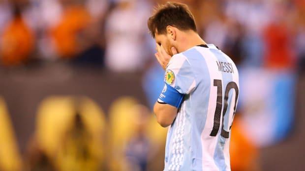 lionel-messi-argentina-retire-copa.jpg