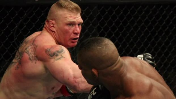Brock Lesnar will fight Mark Hunt at UFC 200 - IMAGE
