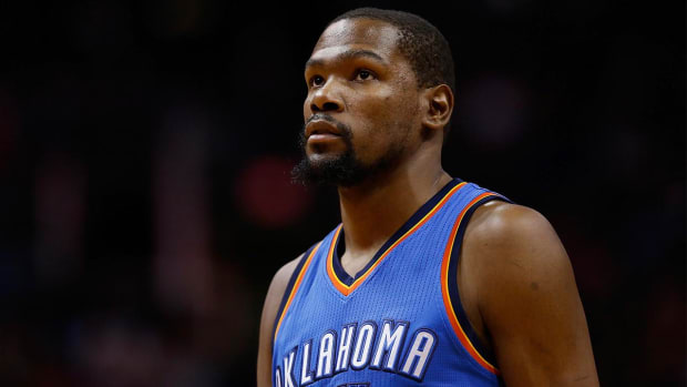 Kevin Durant fights back tears remembering Monty Williams's wife--IMAGE