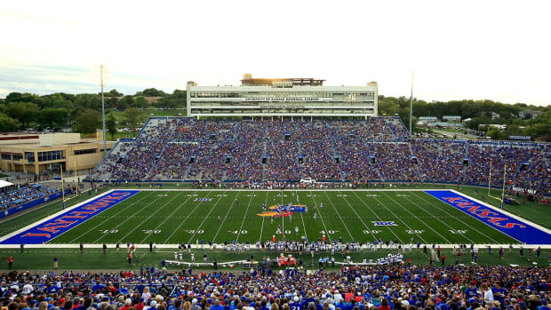 Two Kansas football players arrested for robbery--IMAGE